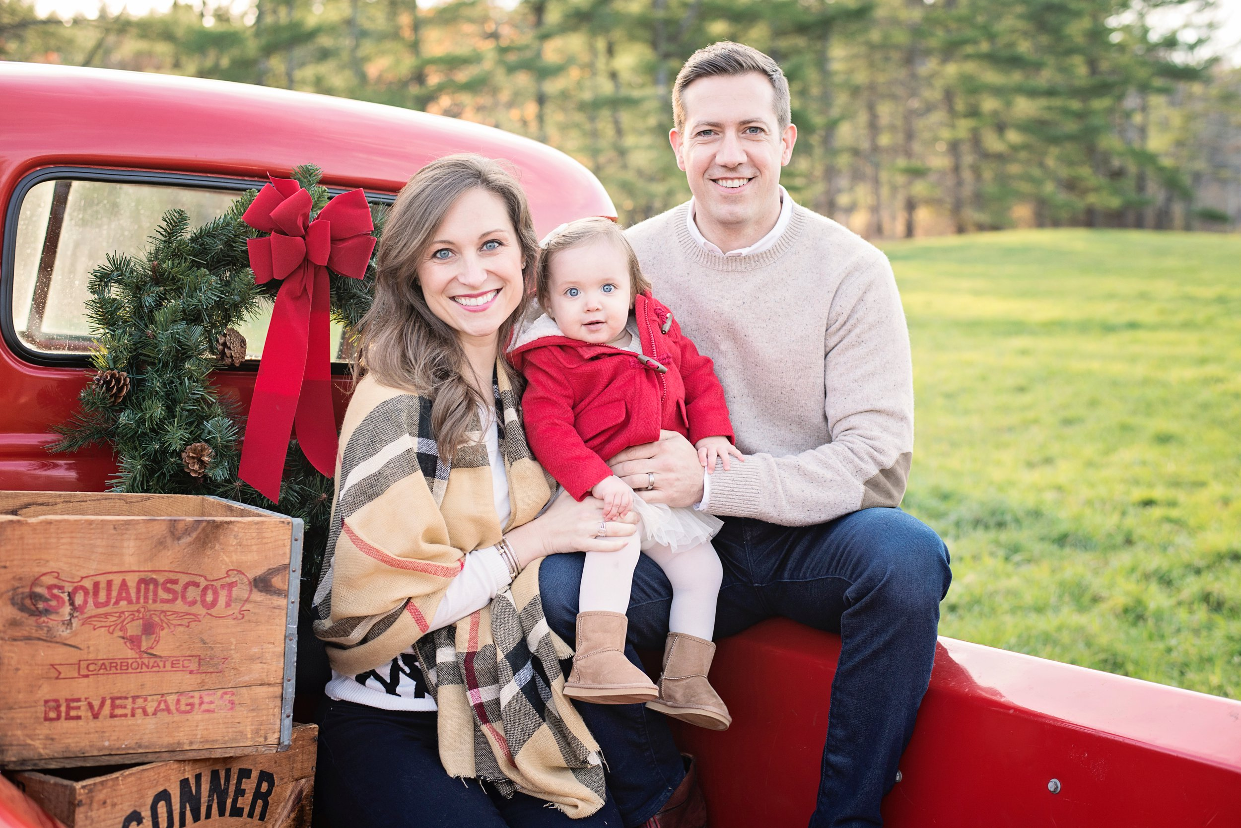Holiday-Mini-Sessions, Christmas-Mini-Sessions, NH-Family-Photographer, White-Wave-Photography