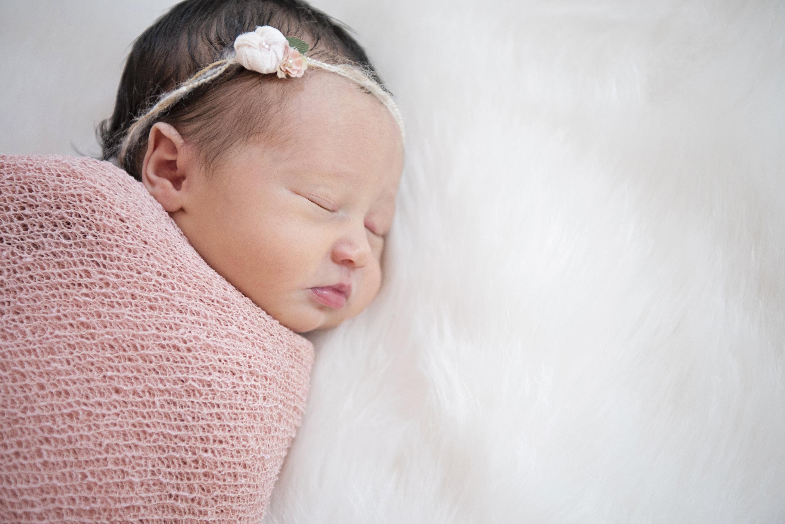 Newborn-Photography, NH-Newborn-Photographer, White-Wave-Photography
