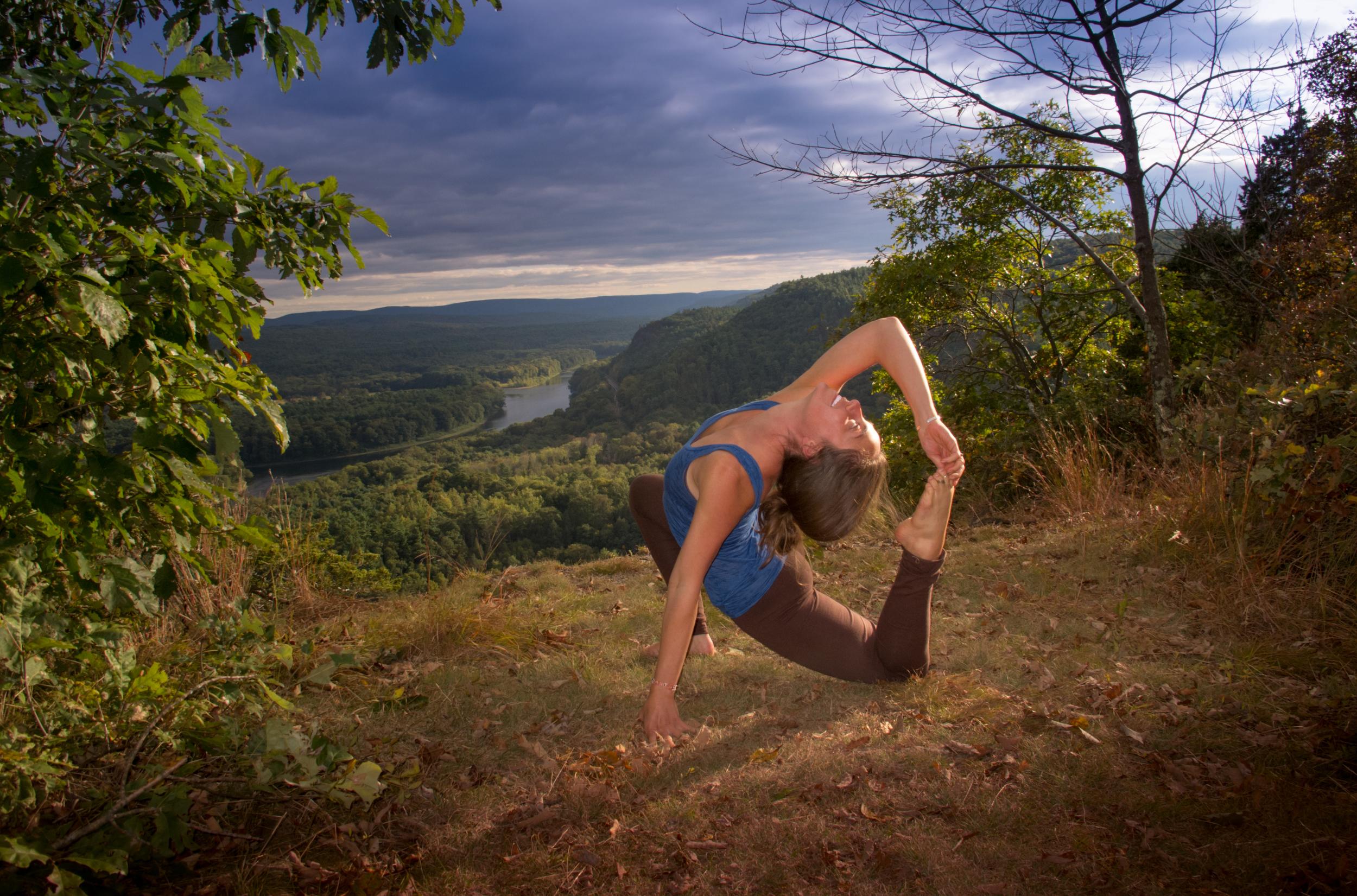 130922_ CliffTrail_Yoga_Kessiah_03-3.jpg
