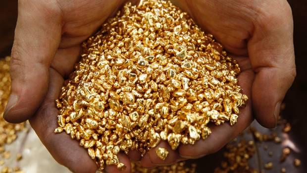 yellow gold pellets