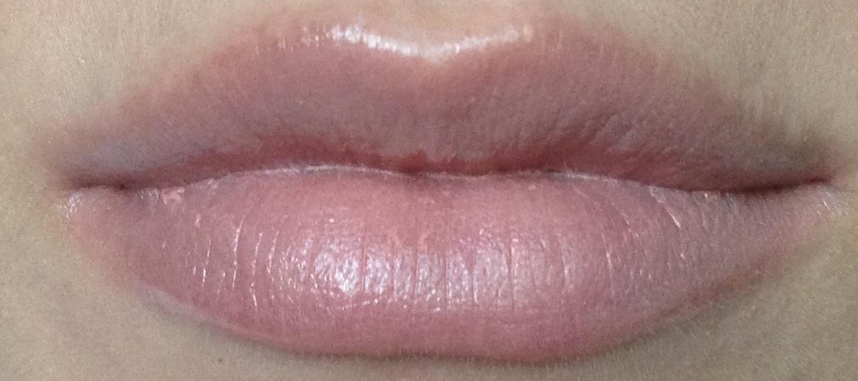 """MAC """"Glaze"""" Lipstick - Hue"""