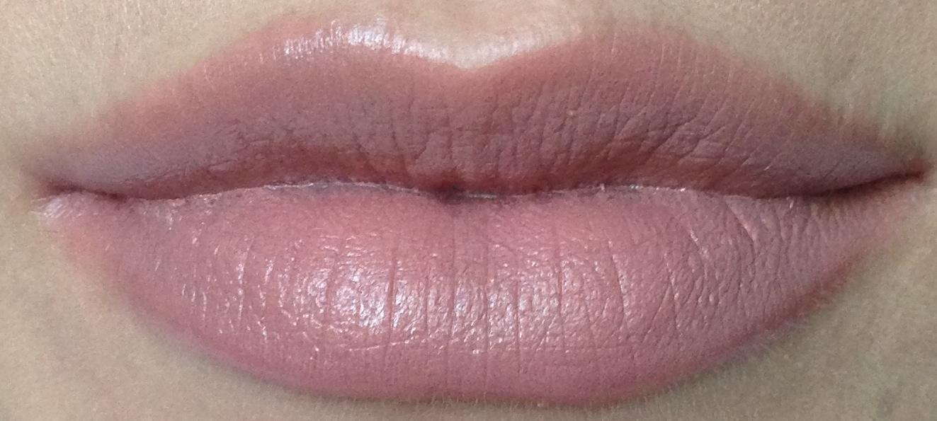 "MAC ""Amplified"" Lipstick - Blankety"