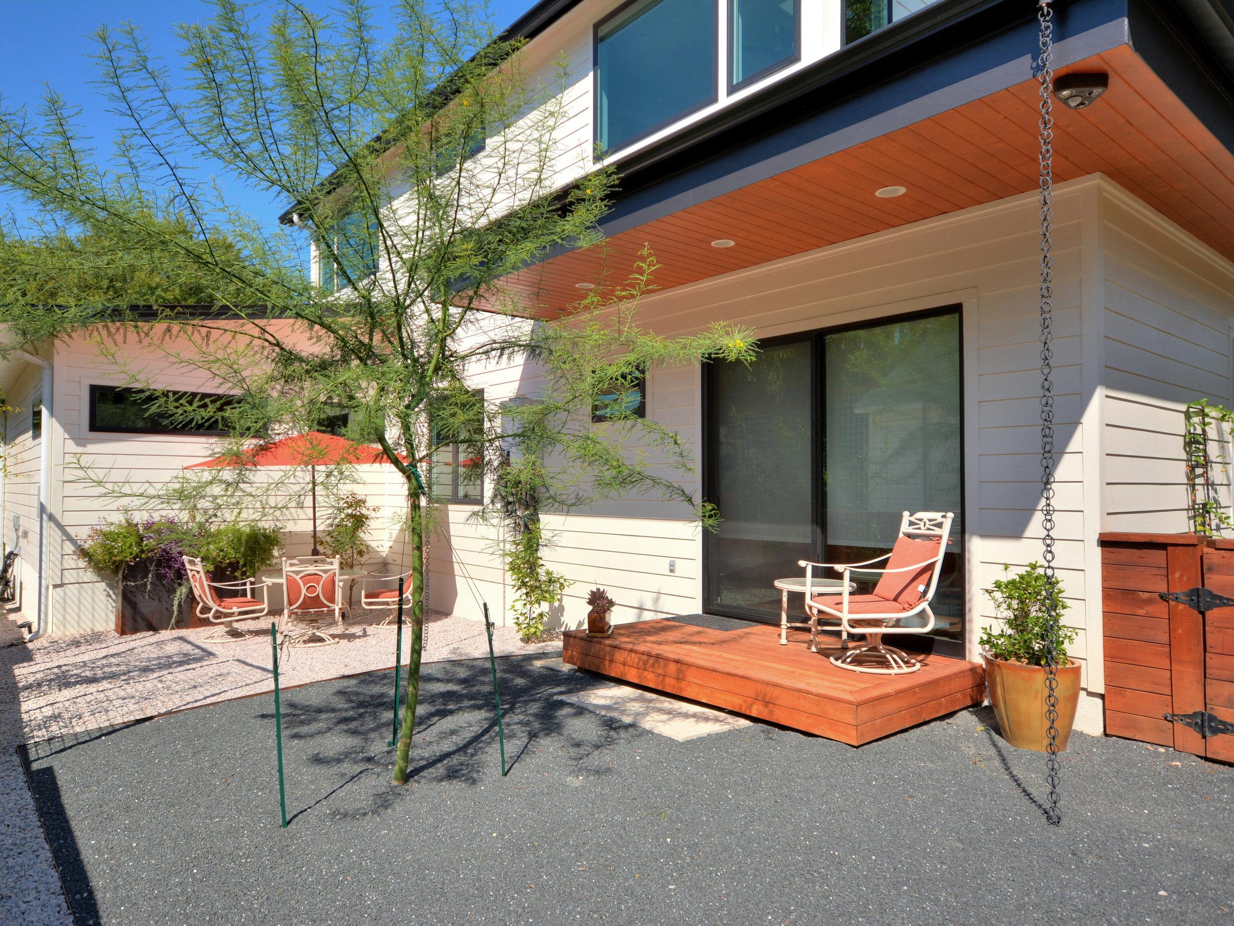 026_Side Courtyard.jpg