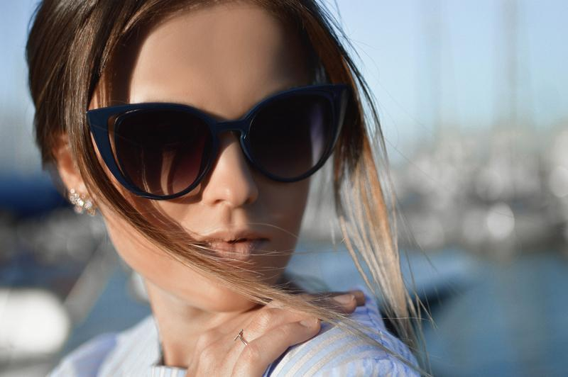 woman wearing sunglasses for eye health