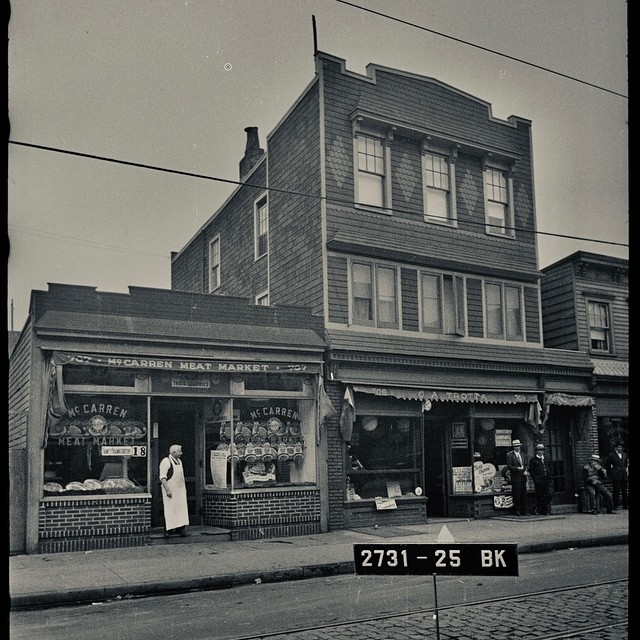 "Pete's Candy Store in the 40's, when it was Trotta's, aka ""Funzi's"". It first became ""Pete's Candy Store"" in the 80's, then became a bar and music venue in 1999. 🤩"