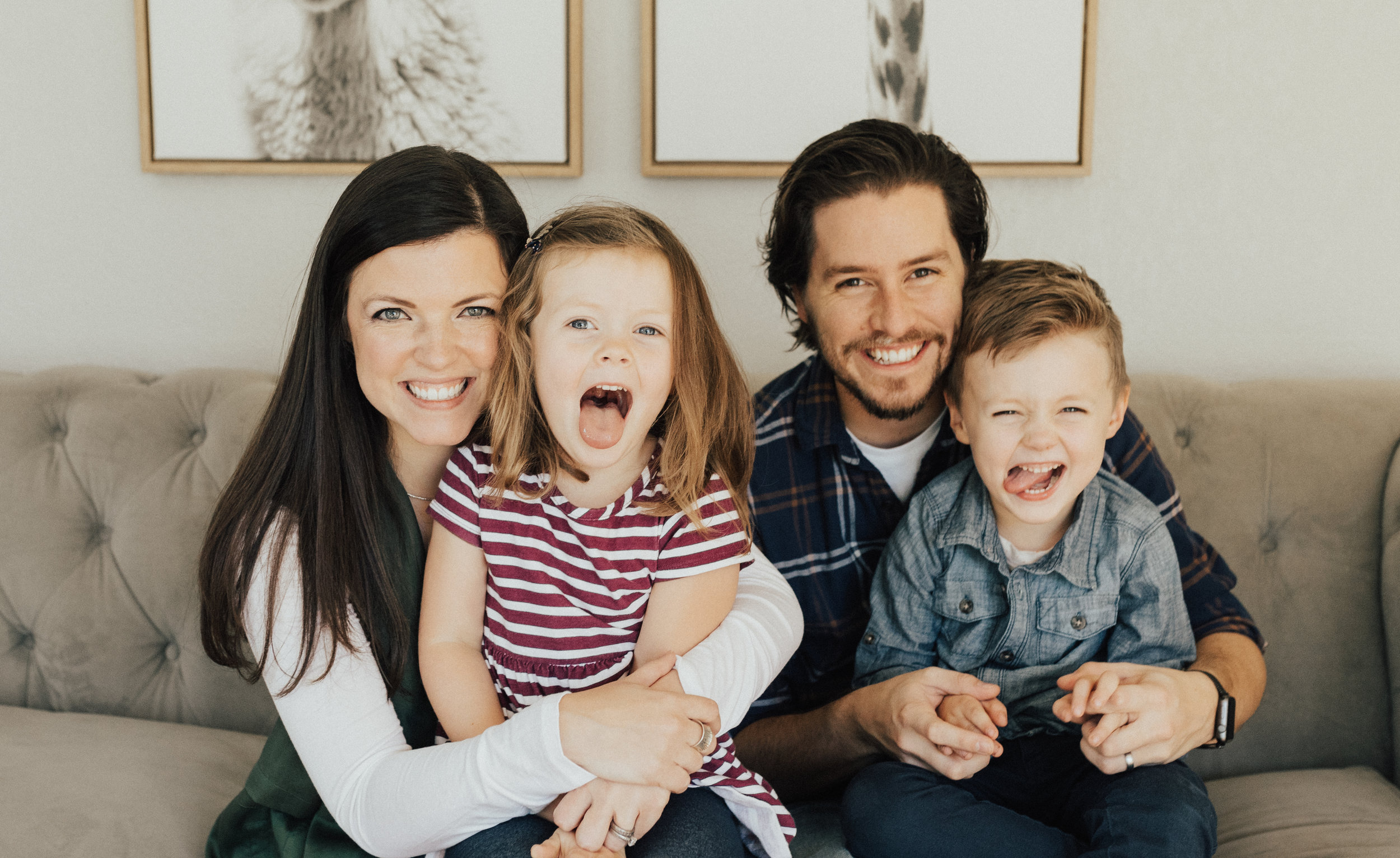 Sarah Jean Knox is a mom, wife and multi-passionate mompreneur who creates resources for stay-at-home moms who want to build a business while raising their kids full-time.