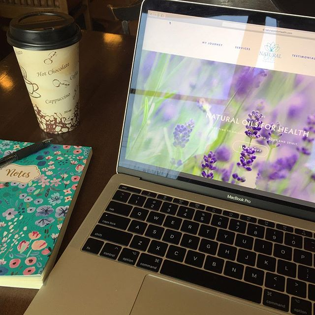 Great meeting with @naturaloils_tuesdayorluk to start the day. Happy Friday! . . #happyfriday #clientmeeting #branding #websitedesign #kimberlylindbergdesign