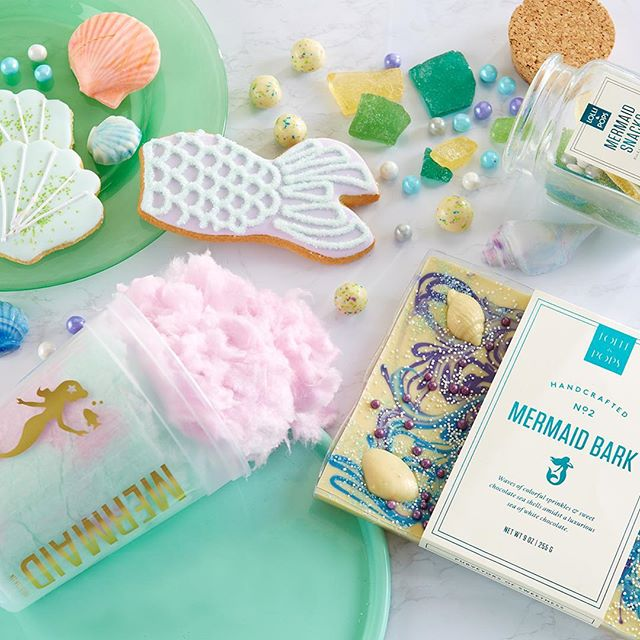 How fun is this! 🧜🏻‍♀️For more whimsical collections including unicorns, dragons & more head into a Lolli & Pops store near you!  #photoshootstyling #mermaids #whimsical #howfun #kimberlylindbergdesign
