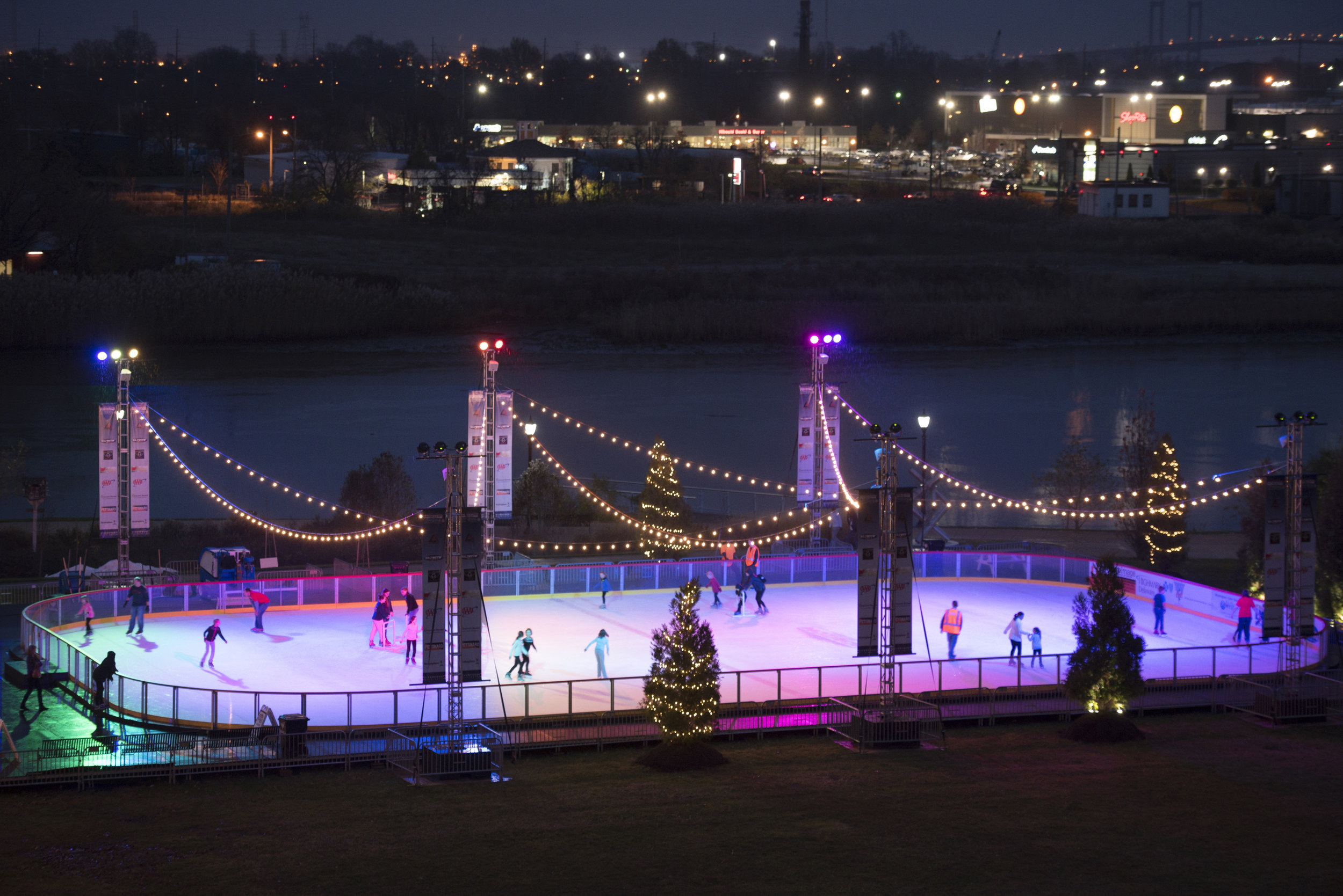 Riverfront rink wilmington de