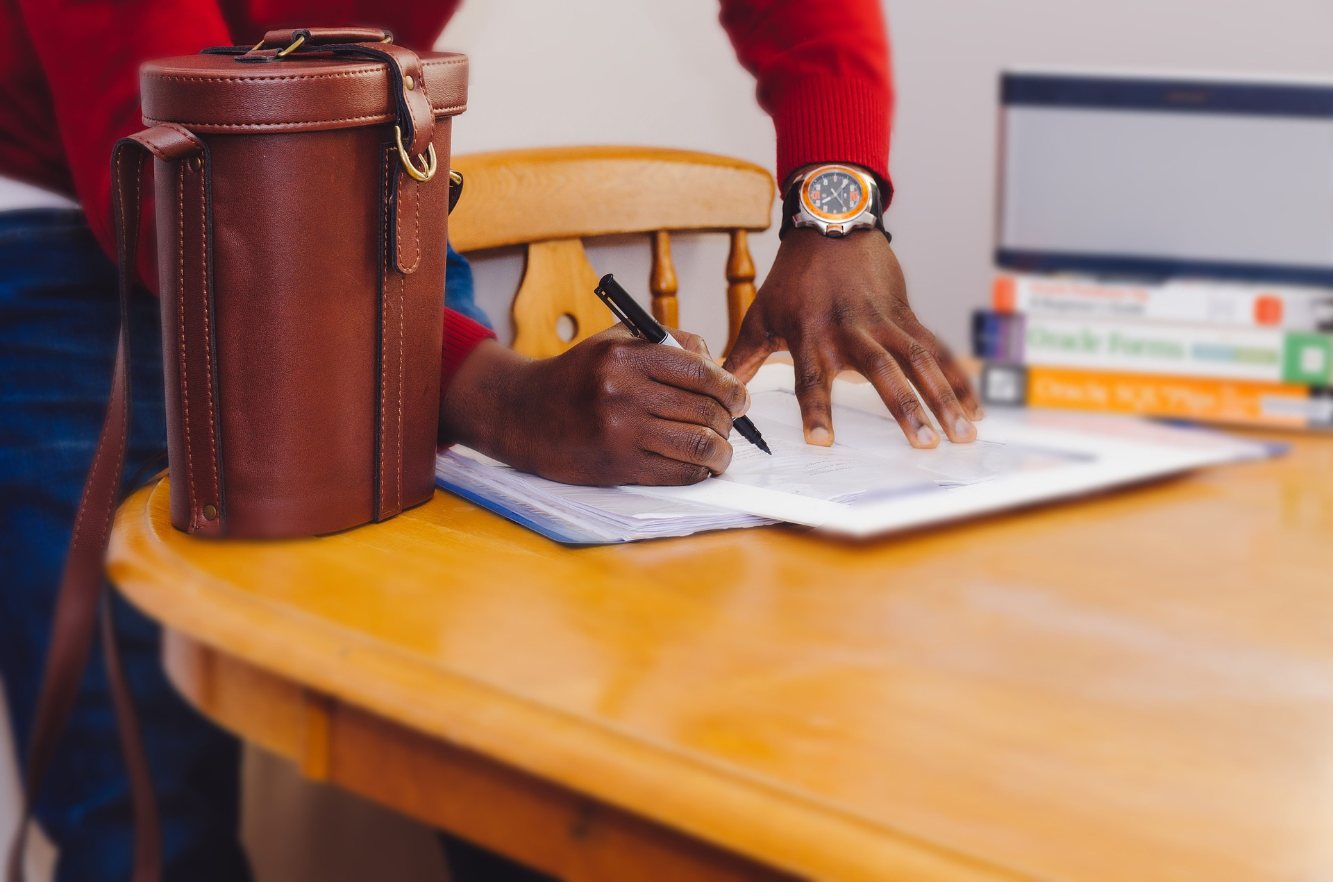 signing-salary-negotiation.
