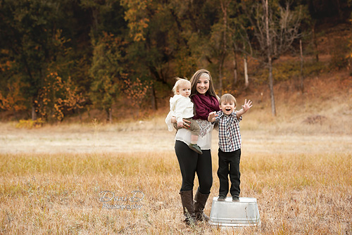 Children in a field - Redding CA Photographer - Dani D Photography
