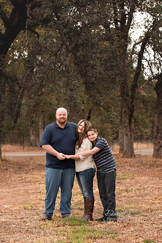 Outdoor family photo in a field - Redding CA Photographer - Dani D Photography