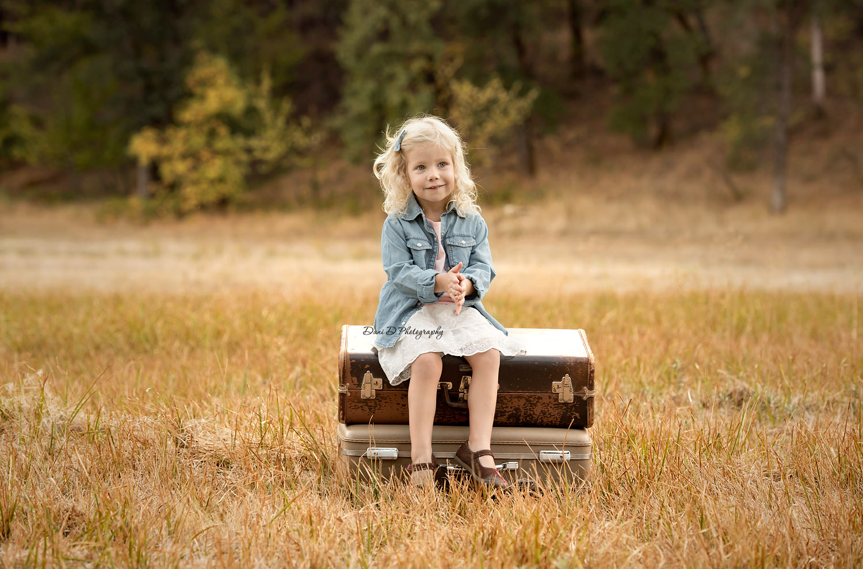 outdoor portrait of toddler - Redding CA photographer - Dani D Photography