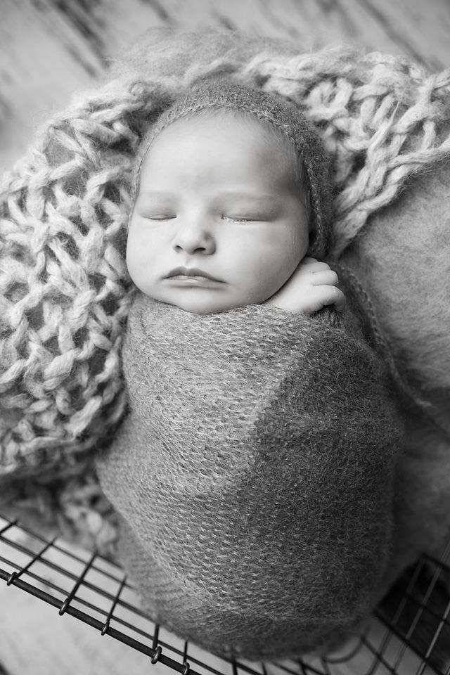 Redding CA Newborn Photographer05.jpg
