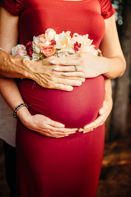 Redding CA maternity photos 13.jpg