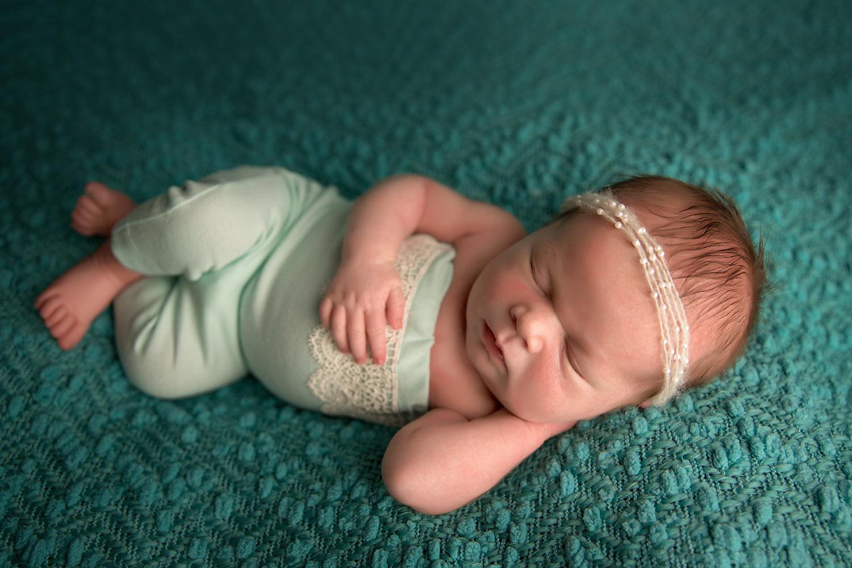 Newborn photos in Redding 012.jpg