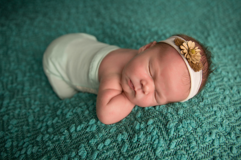 Newborn photos in Redding 015.jpg