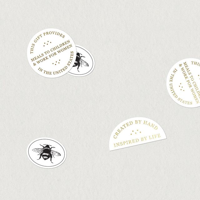 I love when a client chooses to do stickers ✨ such a simple way to add a branding touch to pretty much anything — This cute sticker set didn't make the cut ✂️ but how pretty are these with a little gold foil?