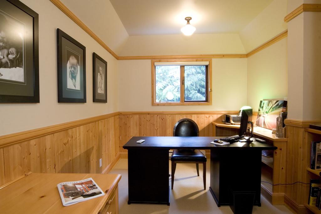 Mx-EagleDr-office.jpg