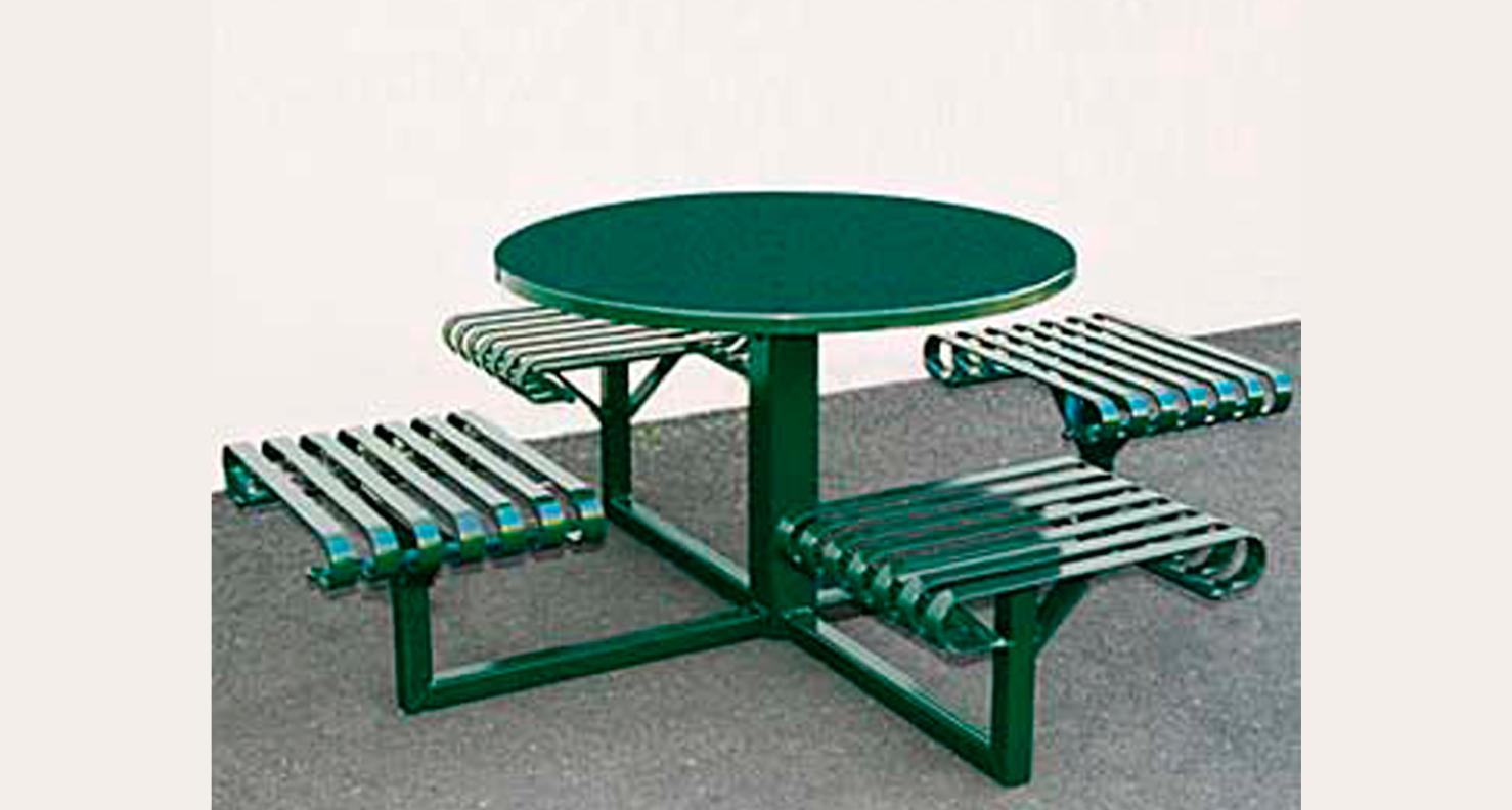 Huntco_Paulina_Table_Chairs.png