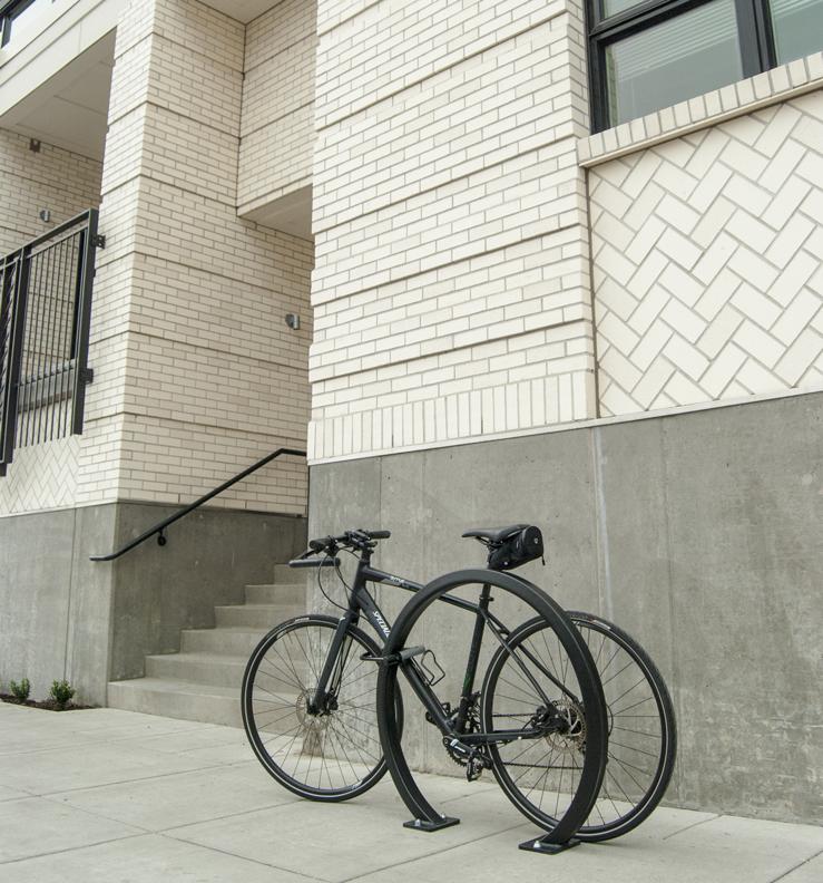 Huntco_Sol_Square_Tube_Bike_Rack_bike.png