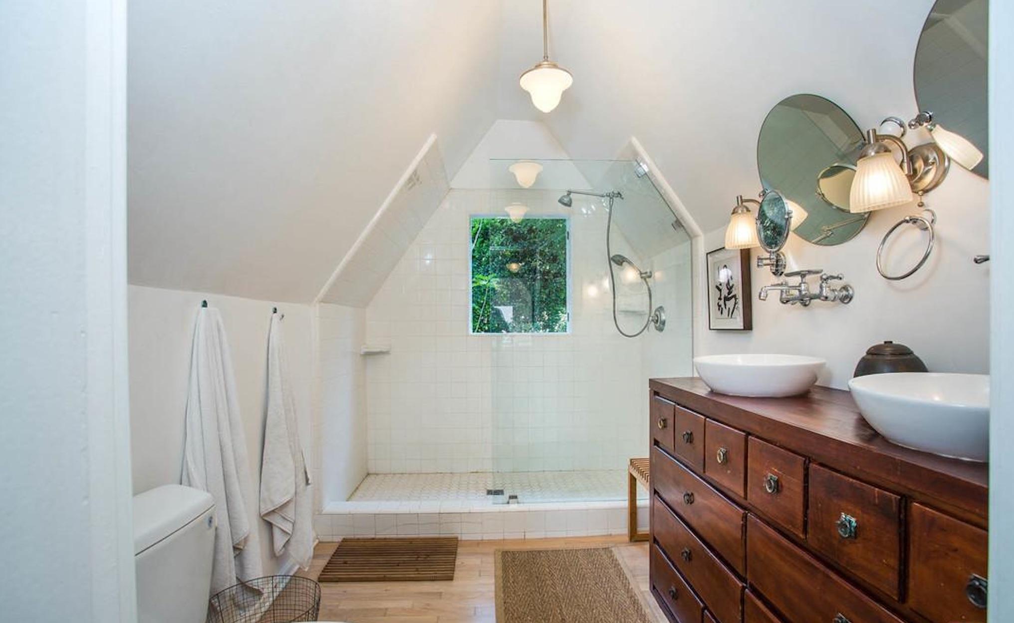 Enchanting English Cottage - 3032 Windsor Ave, Los Angeles, CA 90039-9.jpg