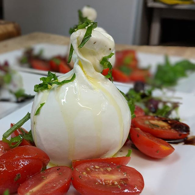 Taste our fresh Caprese Con Mozzarella Di Bufalawith red and juicy cherry tomatoes, basil and touch of balsamic on side🧀.it's ideal first course for a summer meal!🌞 #capresesalad #mtlblog #yelpmontreal #mtl #mtlsummer #mozzarelladibufala #bismontreal #yelpmontreal #tripadvisormontreal  #tripadvisor