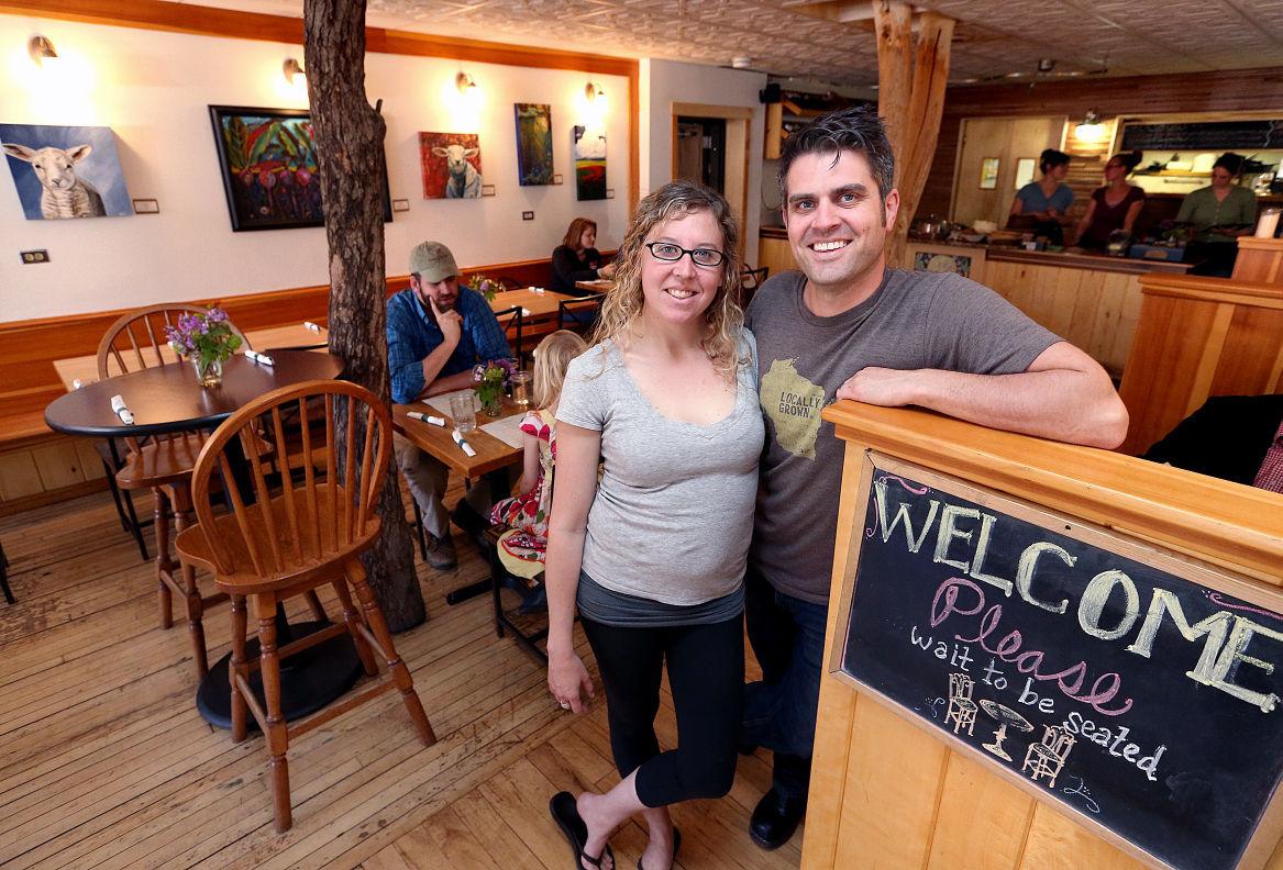 Ruthie&Luke Zahm.  Photo by Peter Thomson, La Crosse Tribune