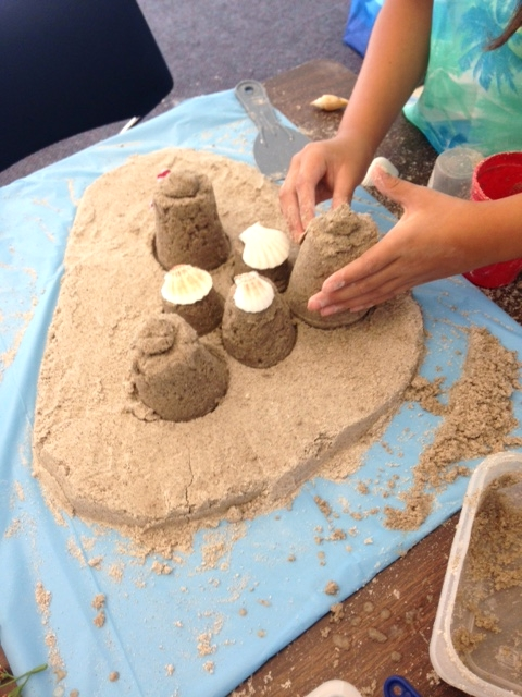 Students made kinetic sand this week and found out building a sand structure was difficult work! Some of their work included experimenting with the recipe to make the sand more stable, and discovering building methods through utilizing a variety of tools.
