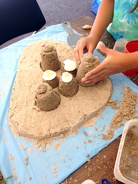 12making sand castle1.JPG