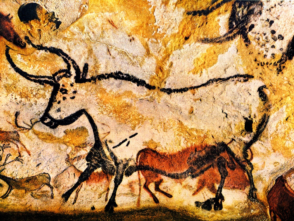 2-Lascaux-Cave-Drawing.jpg