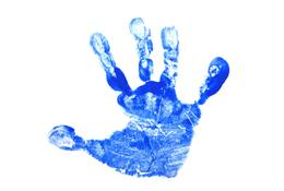 52255-260x175-Baby_handprint_craft.jpg