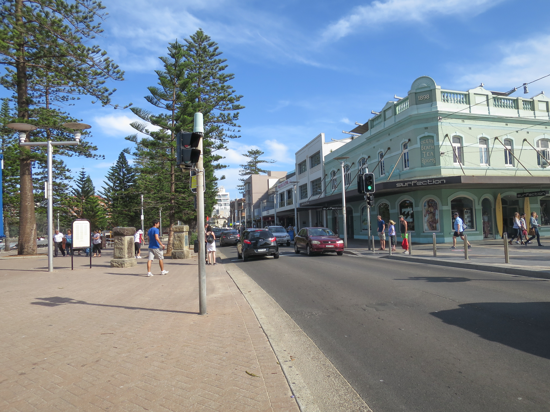 Figs 22 and 23: to Manly beach, Sydney, and the commercial and tourist accommodation uses adjacent to the beach