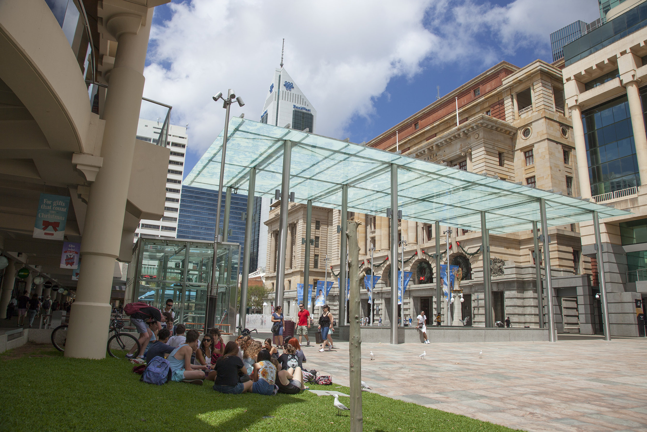 Figs 15, 16: Northern end of Forrest Place and the Cactus