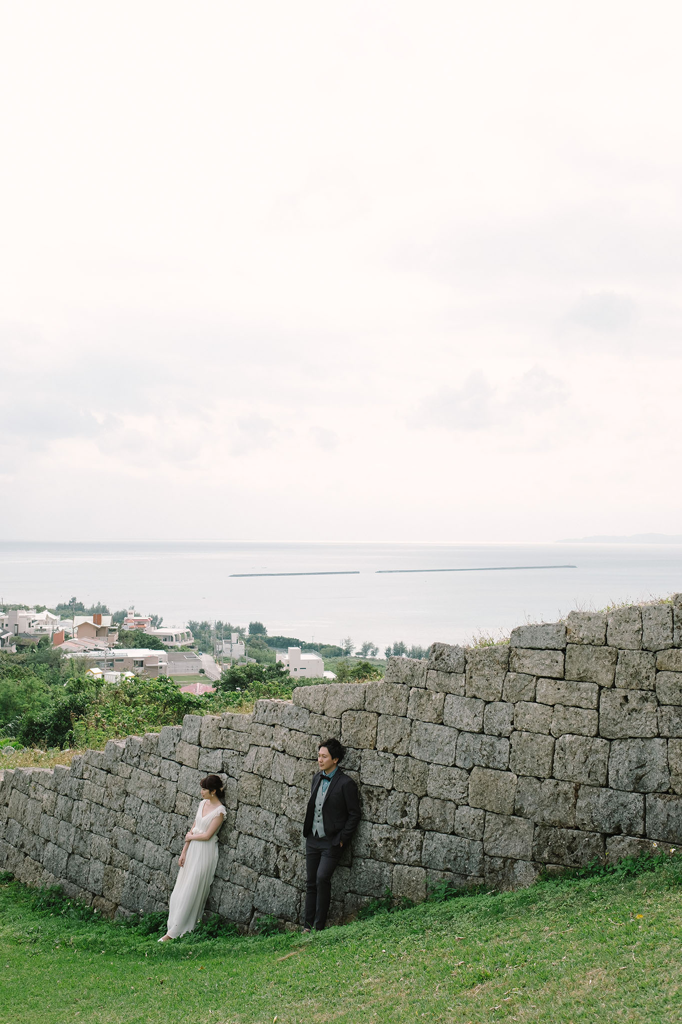 城からは眼下の街を眺めることができる