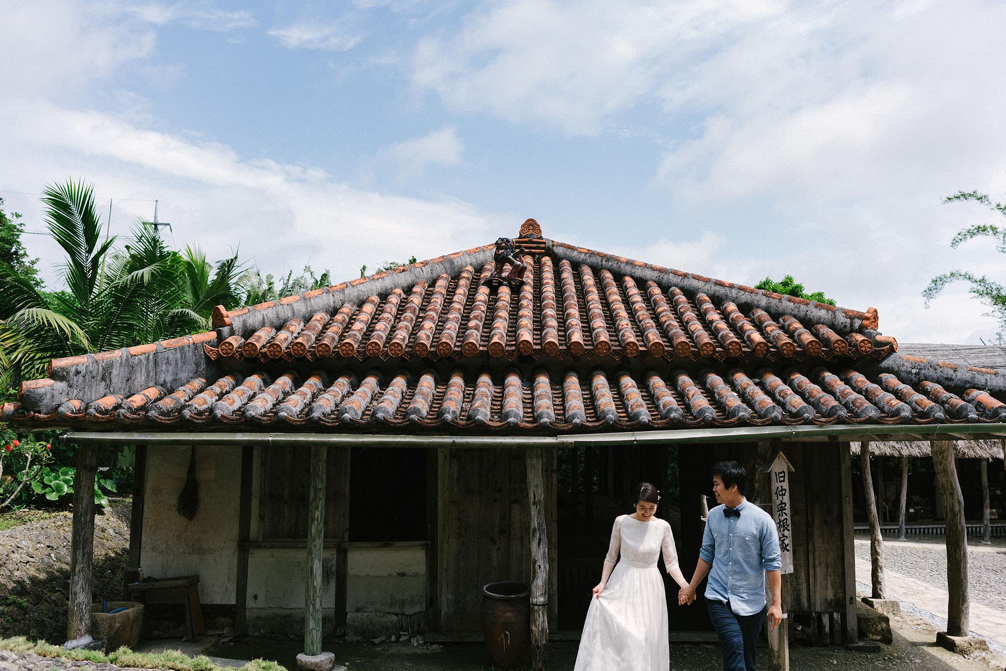 琉球村には沖縄らしい背景とともに撮影ができる