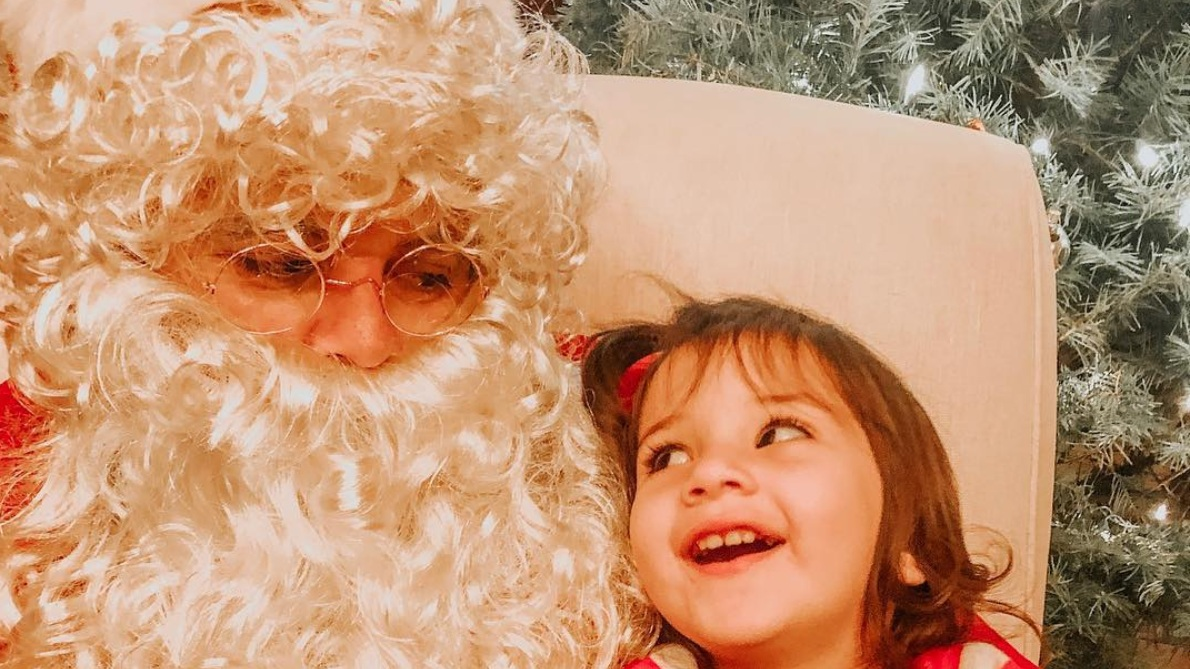 Bring your little ones to enjoy a holiday photo with Santa by the fireplace. There will be great holiday gift packages for purchase and warm cocoa for the little ones. One quick stop for Santa in December, so be sure to bring your wish list and Christmas spirit!