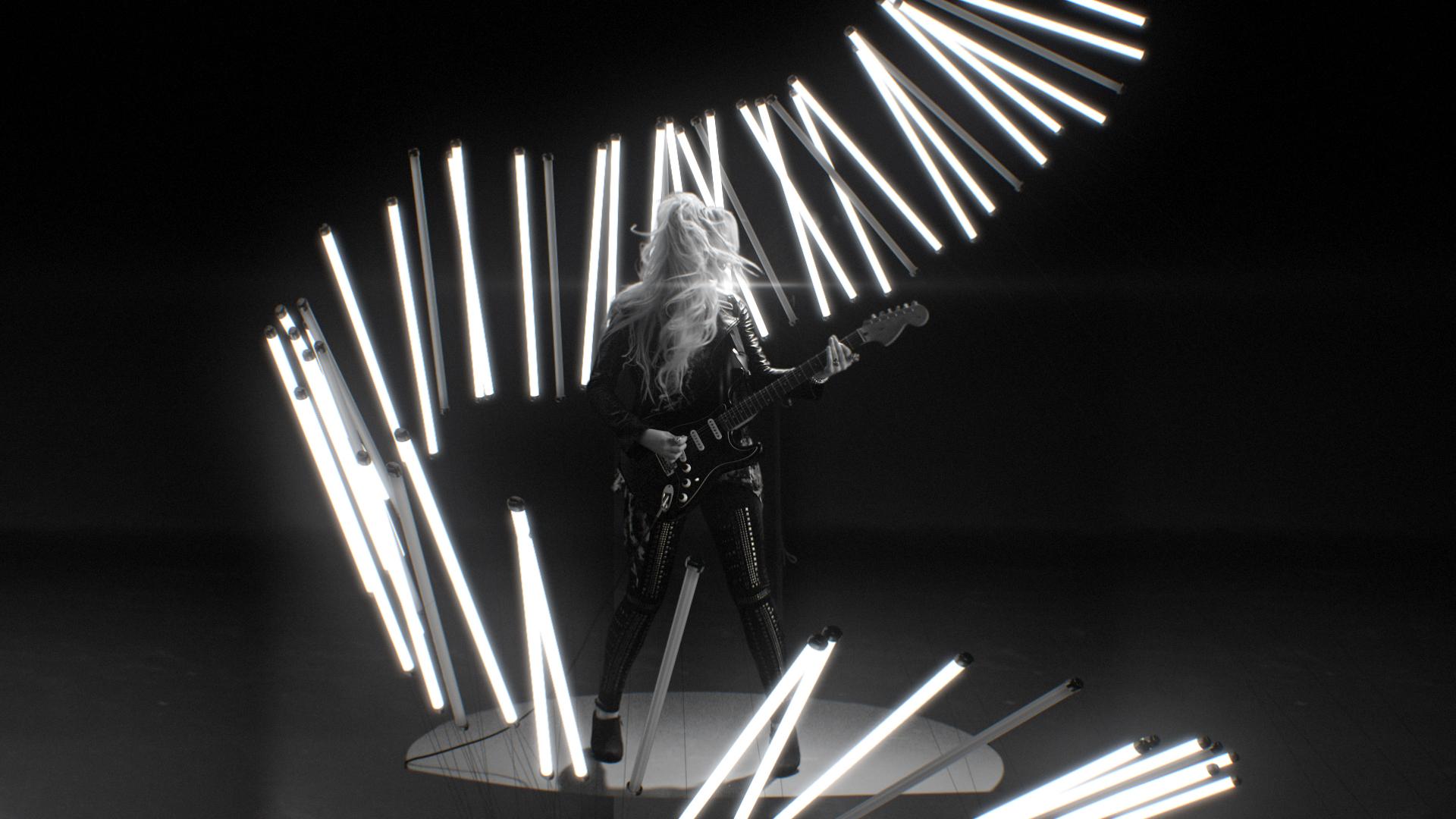 Guitar_Sorrounded_E.jpg