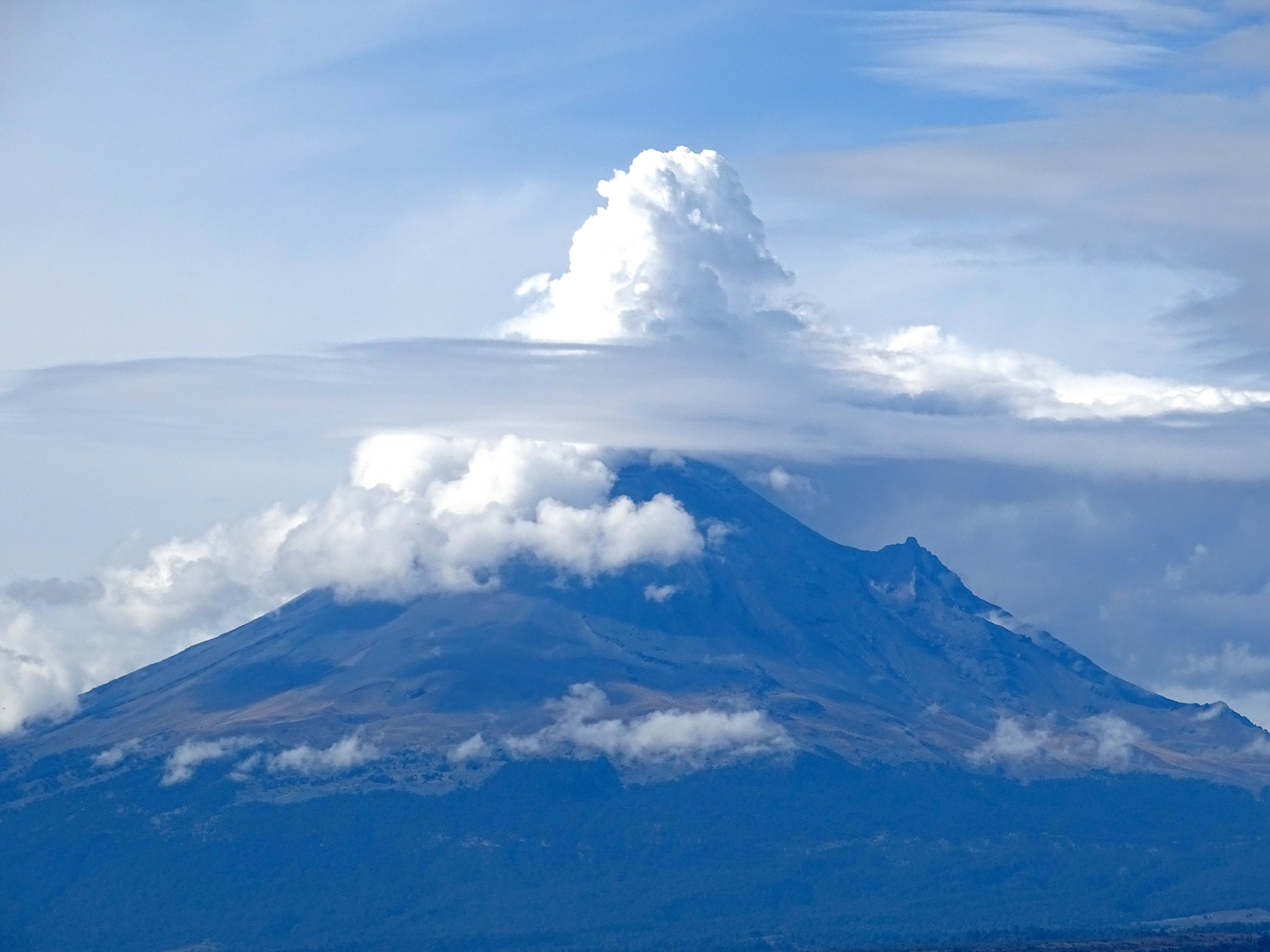 Popocatepetl (active volcano)