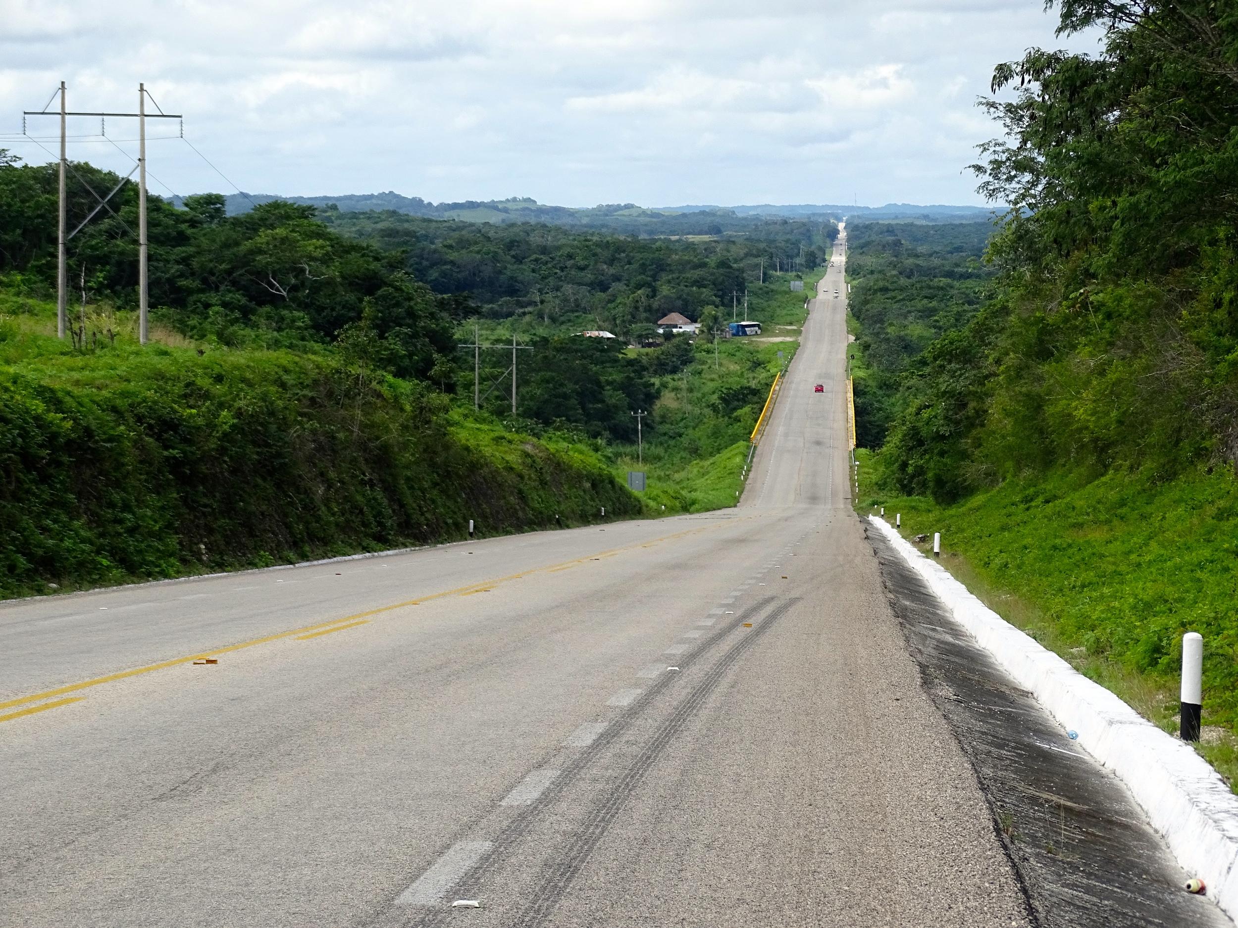 The road toward Villahermosa, our next destination.