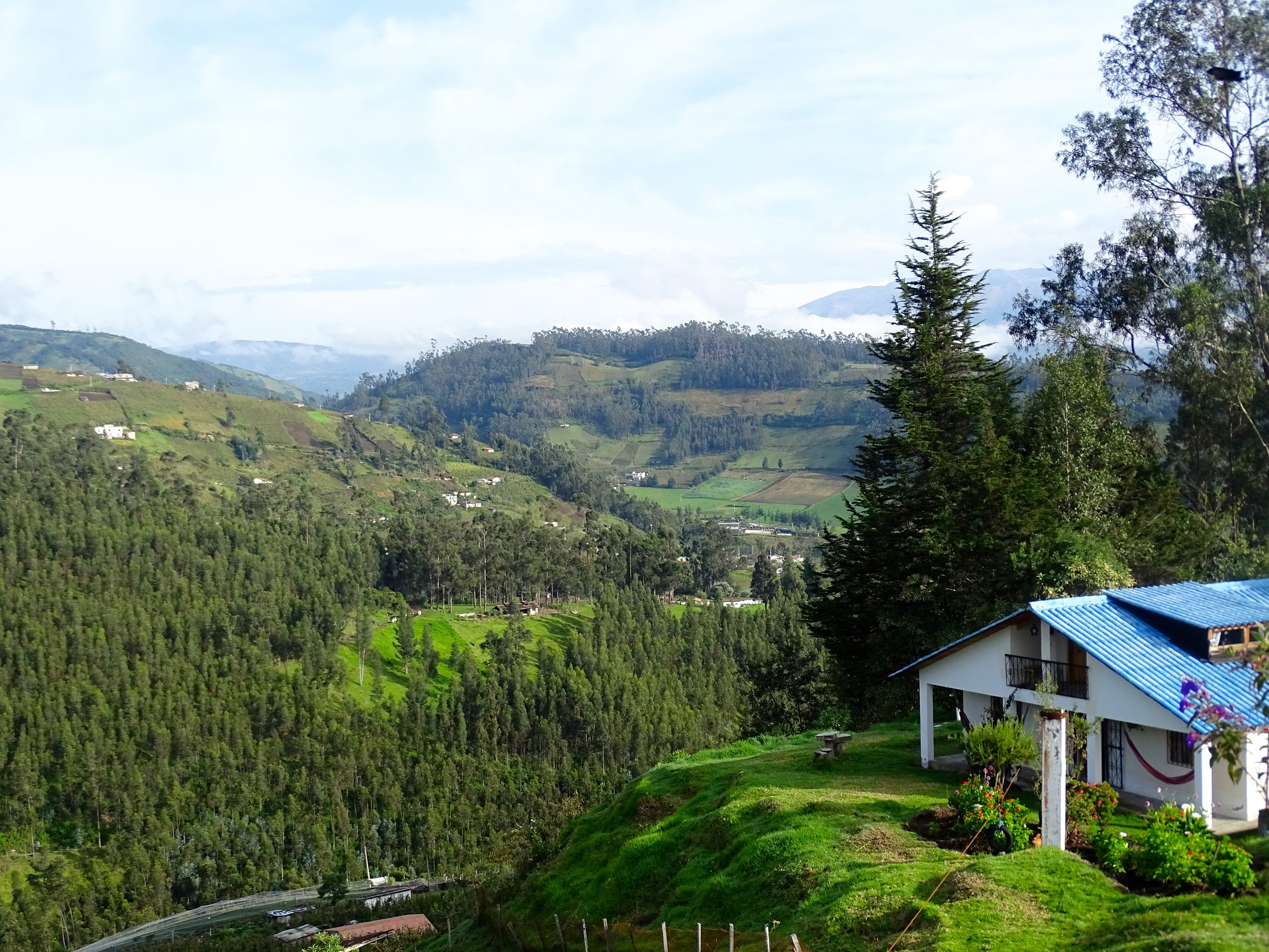 We stayed in this sweet hostel overlooking a beautiful valley an mountains.