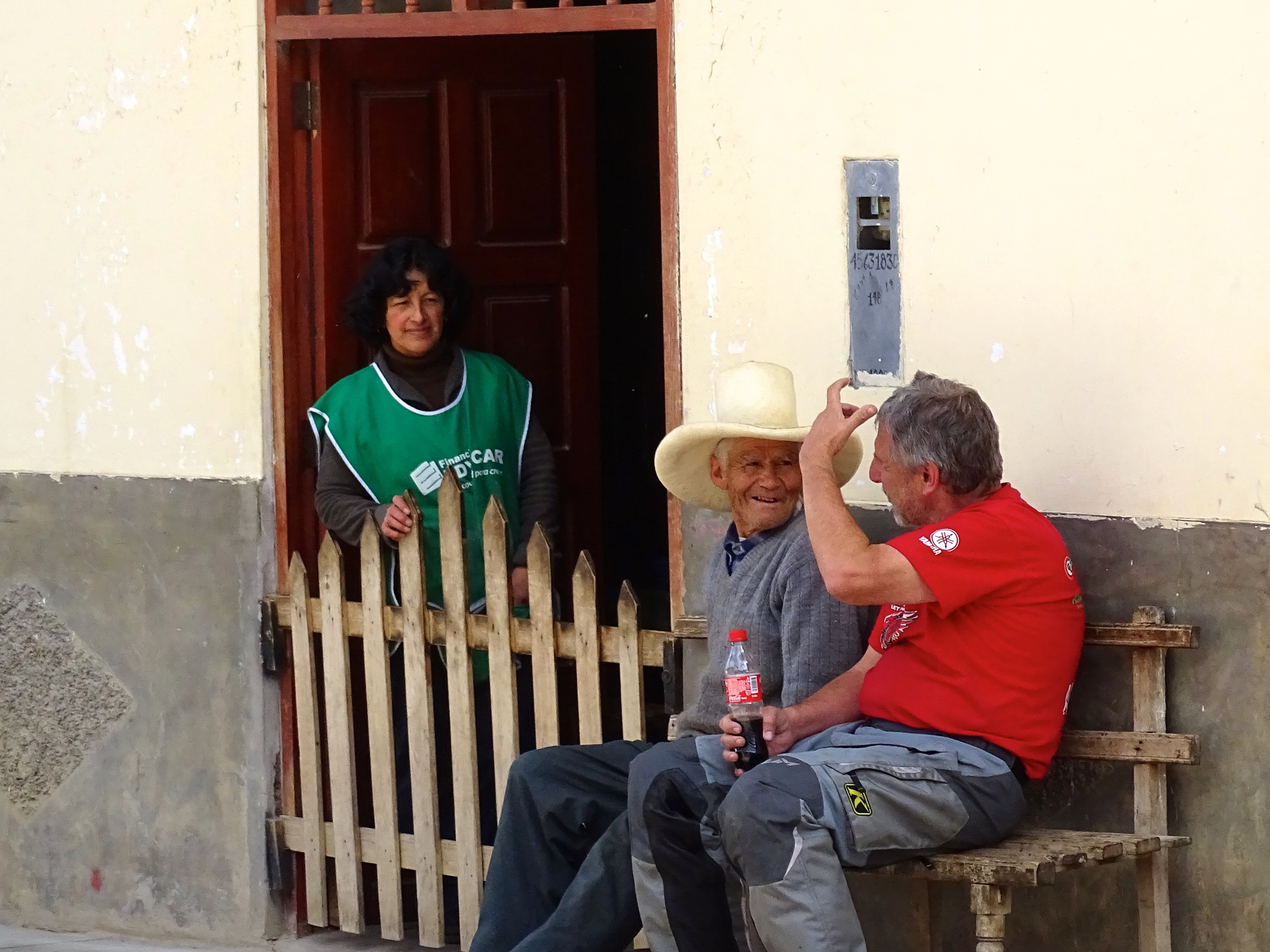 We took a break in this tiny town and Keith had a good chat with a fella about their hats.