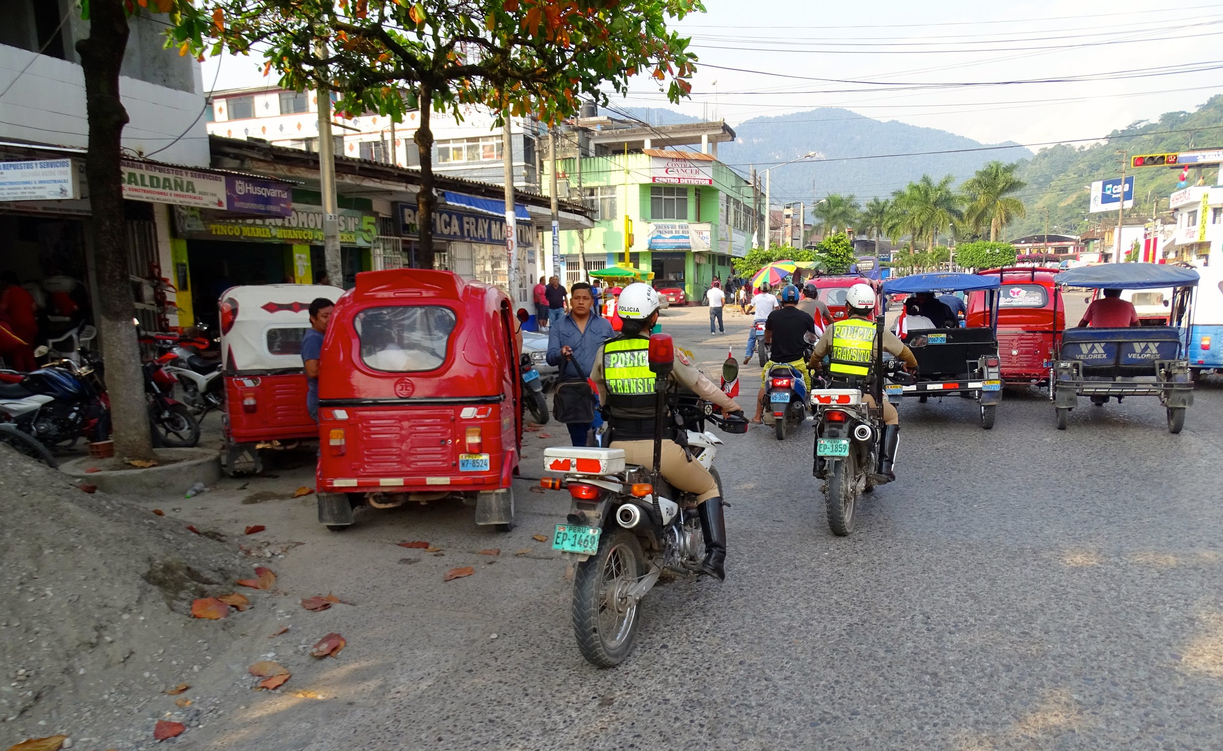 Riding through the small town of Tingo Maria was slightly crazy, as usual.