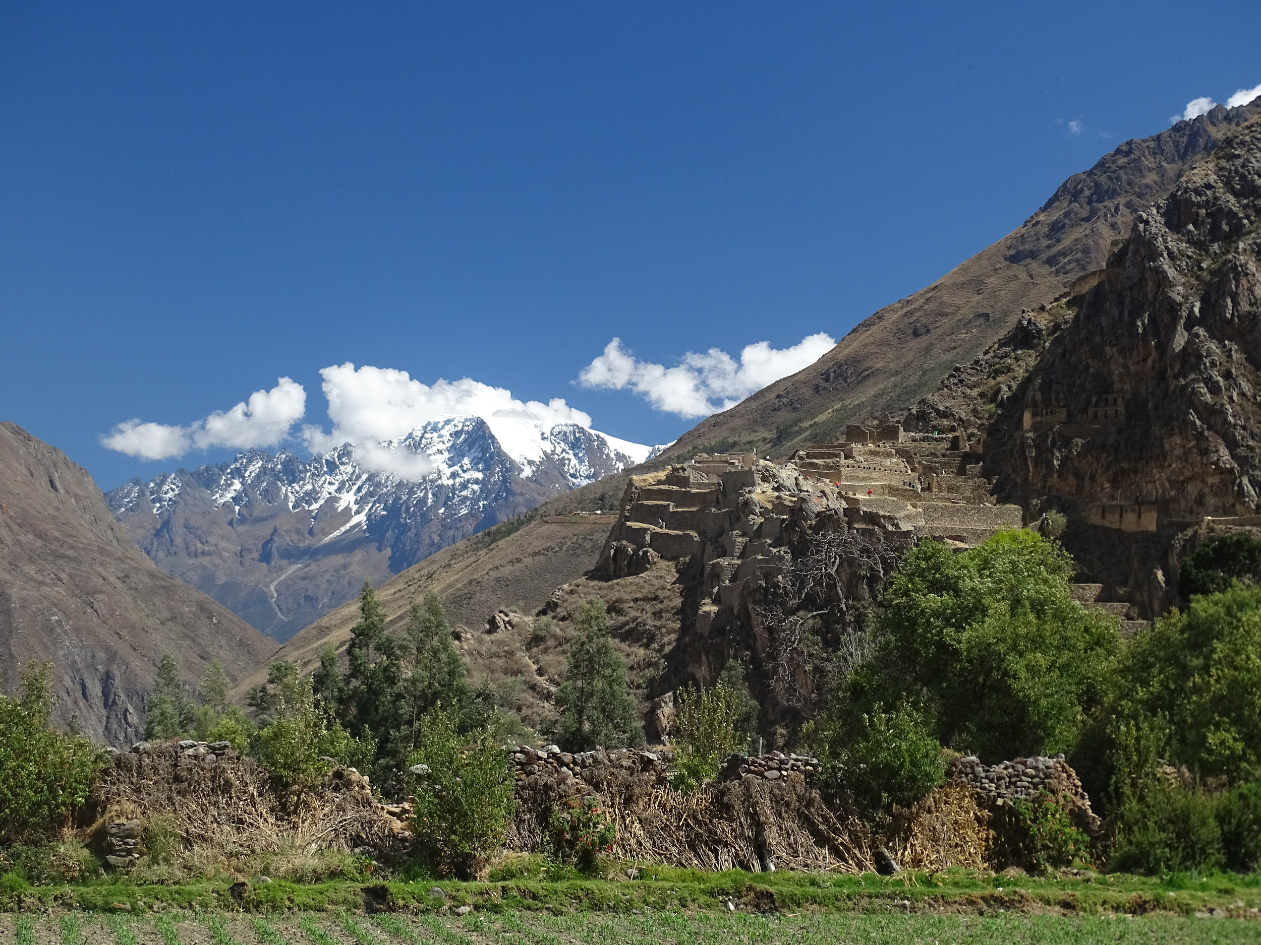 Ollantaytambo has some significant ruins of it's own, with notable examples of the Incan rock-fitting craftmanship.