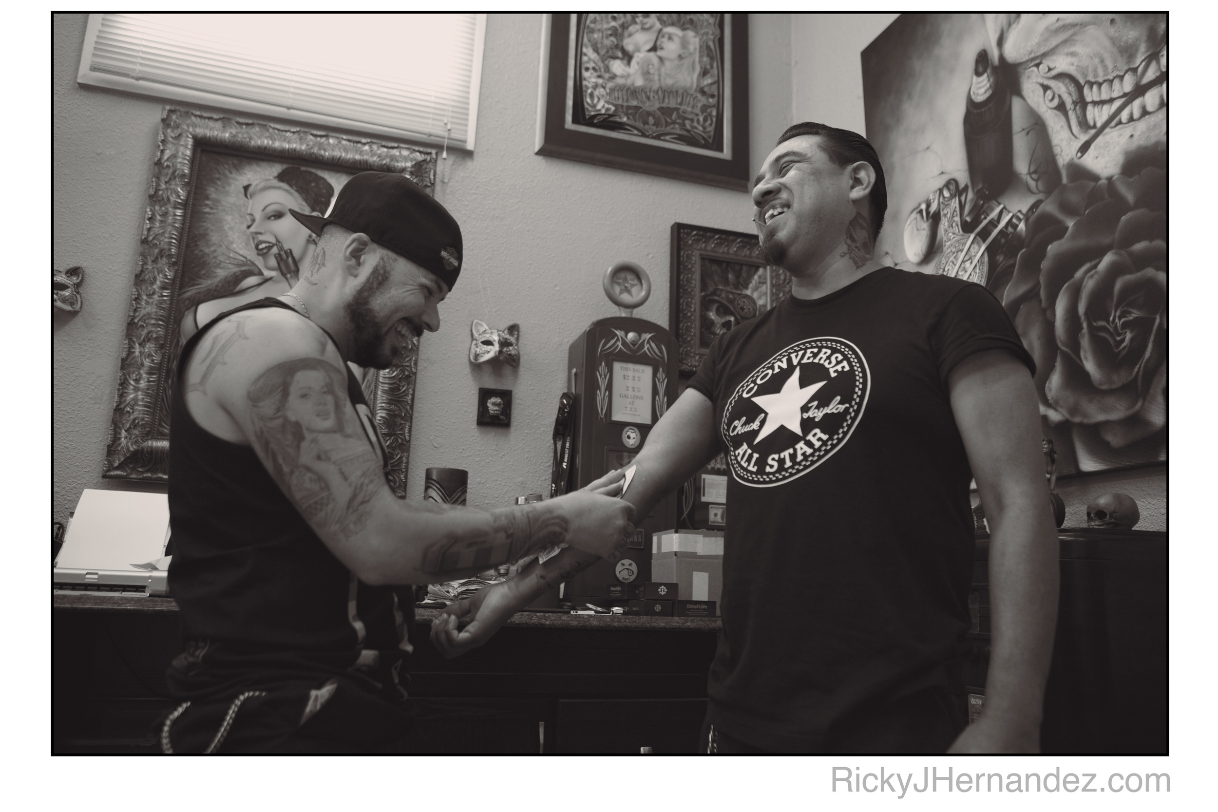 Ricky-J-Hernandez-Portrait-of-Italian-tattoo-artist-Macko-and-Fo