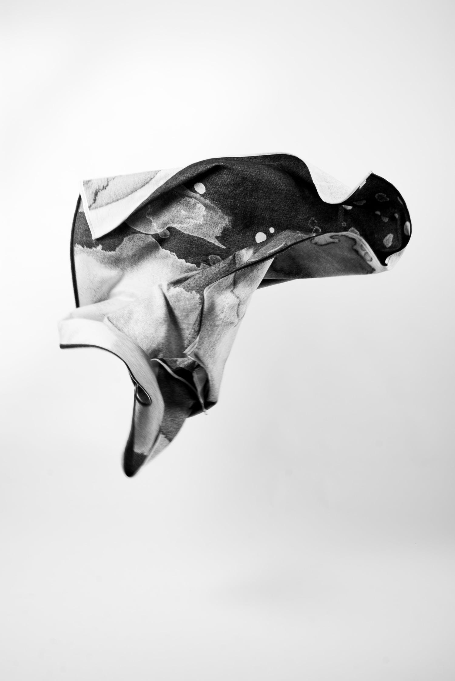 HAZY BLANKET COPERTA WATERCOLOR ACQUERELLO BLACKANDWHITE SCHNEID SCANDINAVIAN DESIGN SCANDINAVO SPAZIO MATERIAE NAPOLI 2.jpg