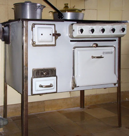 stove frankfurt kitchen.jpeg