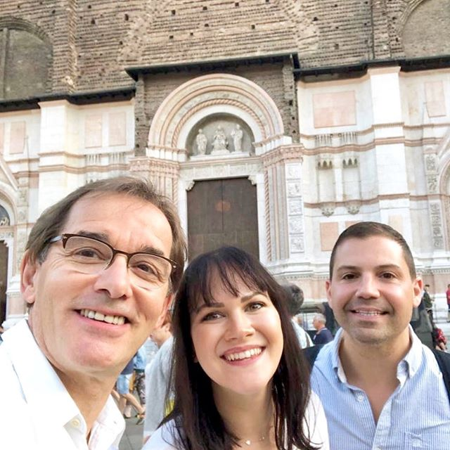 Great food, wine, and (best of all) company in Bologna 🍝 #nardelliottsinitaly #nardelliottsonvacay