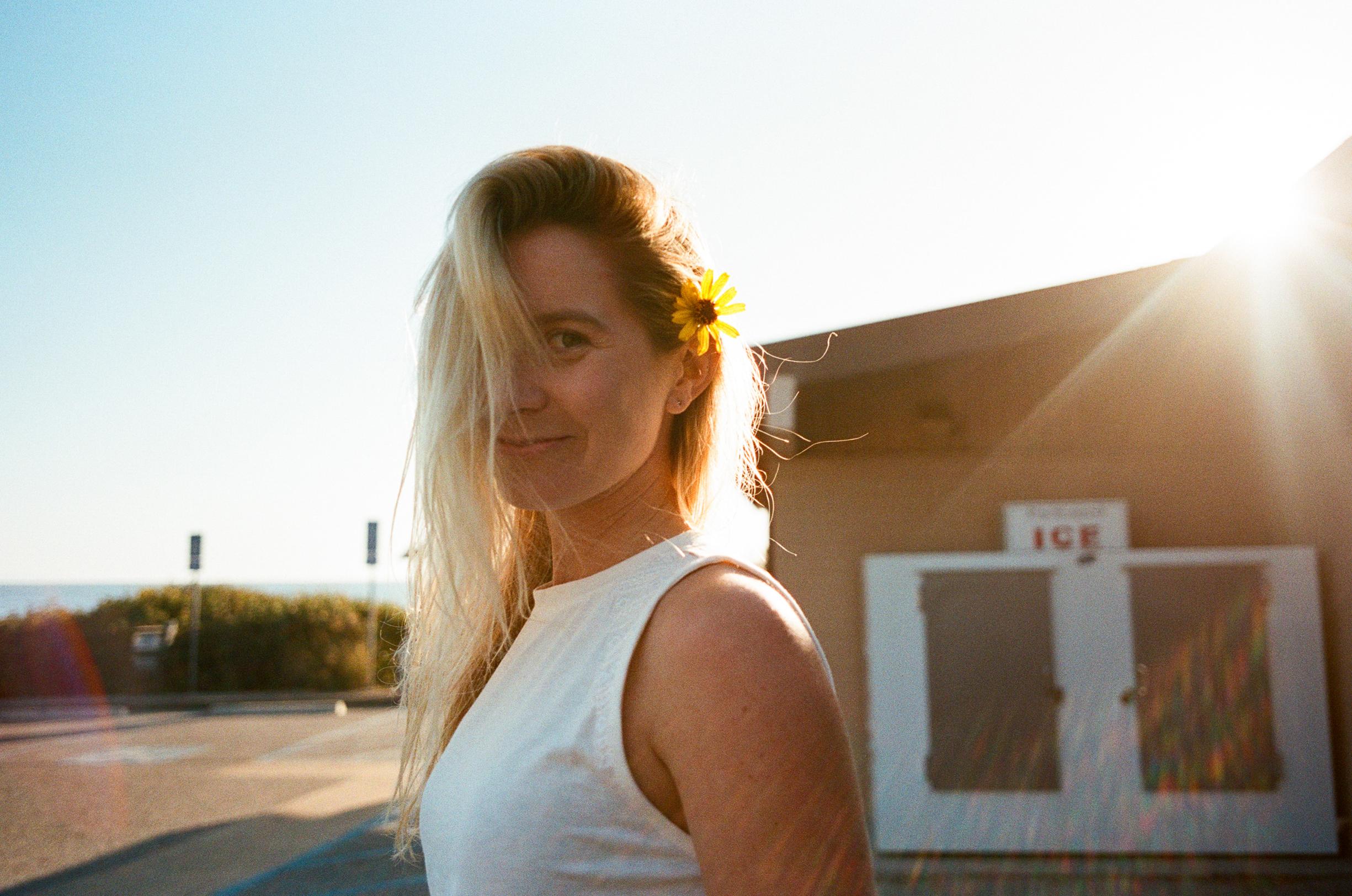Cathlin McCullough surf lifestyle-1.jpg