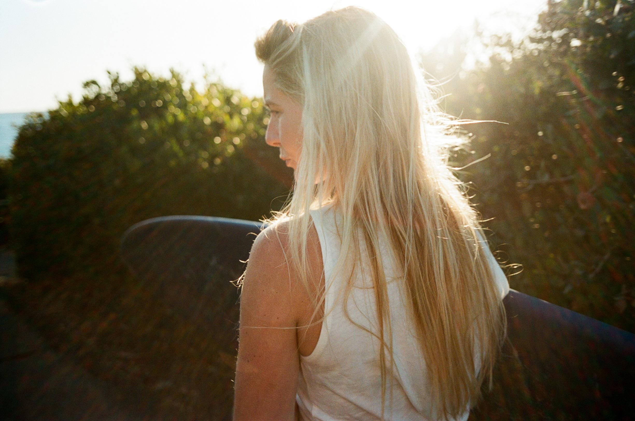 Cathlin McCullough surf lifestyle-7.jpg